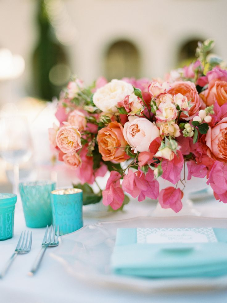 Turquoise and Pink Wedding Ideas | https://www.fabmood.com/pink-and-turquoise-wedding-ideas #weddingpalette #turquoisewedding #weddingideas