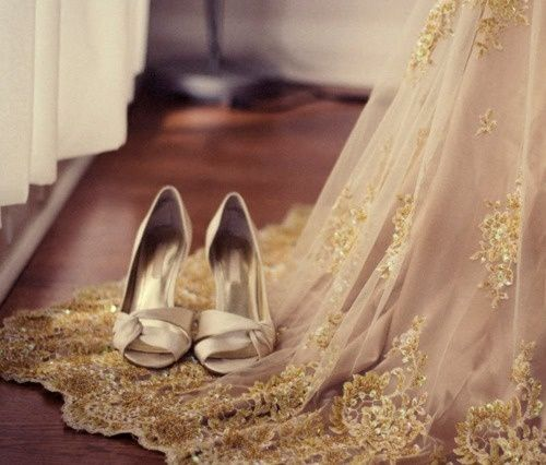 Gold style wedding shoes