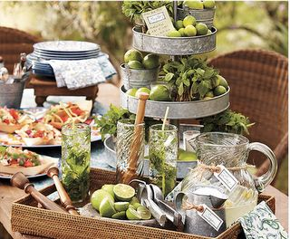 Mojitos and Tacos Party!! Love this idea, maybe for my graduation party from my second degree?!?!?! I figure I deserve it. =)