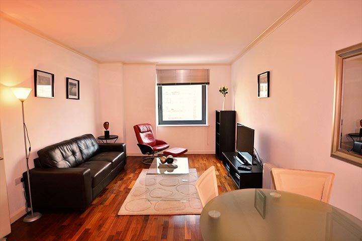 Serviced Apartments London London Short Stay Apartments Serviced Apartments Floor To Ceiling Wardrobes London Apartment