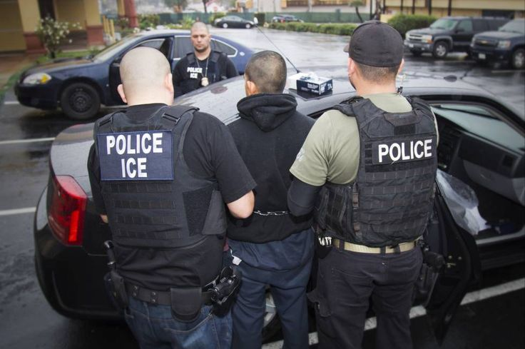 Sheriffs line up against California law that would prevent them from contacting Immigration and Customs Enforcement