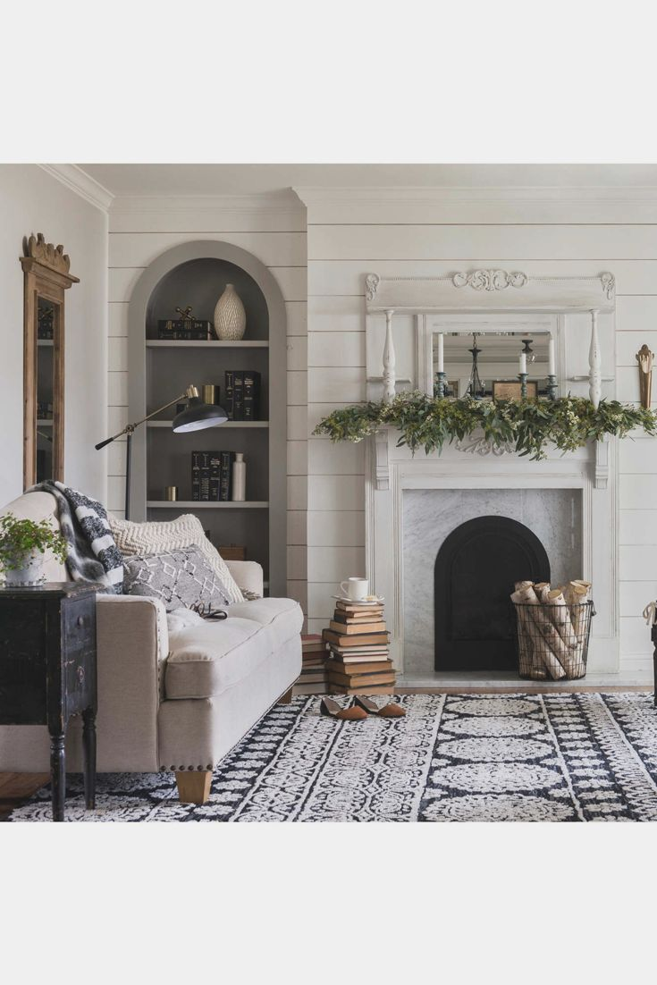 The Lotus Rug from the Magnolia Home by Joanna Gaines Collection combines the comfort of plush microfiber with a striking, high contrast pattern. Fixer upper, farmhouse style, farmhouse decor (affiliate)