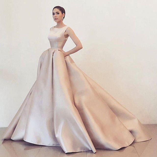 Abendkleider Modern  #abendkleider #modern:separator:Abendkleider Modern – Hochzeitskleid2019