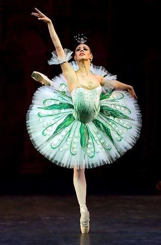 Love this Costume! I would appropriately name it Creme de mente!