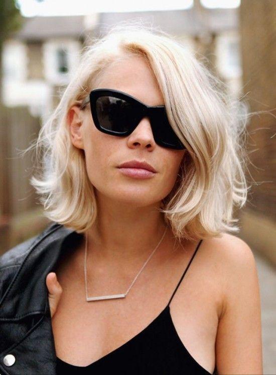Inspiração corte de cabelo curto reto sem franja loiro platinado
