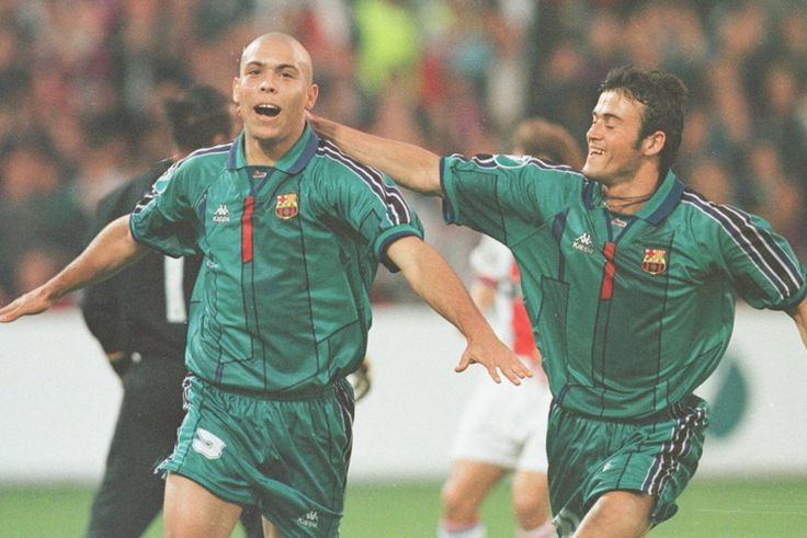 Barça-PSG. Final de la Recopa de 1997. Ronaldo celebra su gol de penalti