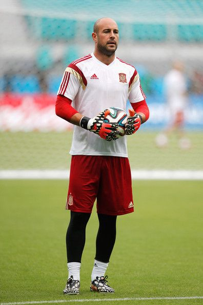 Pepe Reina Photos Photos - Pepe Reina in action during the Spain training session ahead of the 2014 FIFA World Cup Group B match between Spain and the Netherlands held at the Arena Fonte Nova on June 12, 2014 in Salvador, Brazil. - Team Spain Training Session