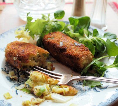 Welsh Vegetarian Sausages for a Family Supper - Glamorgan Sausages (Selsig Morgannwg)