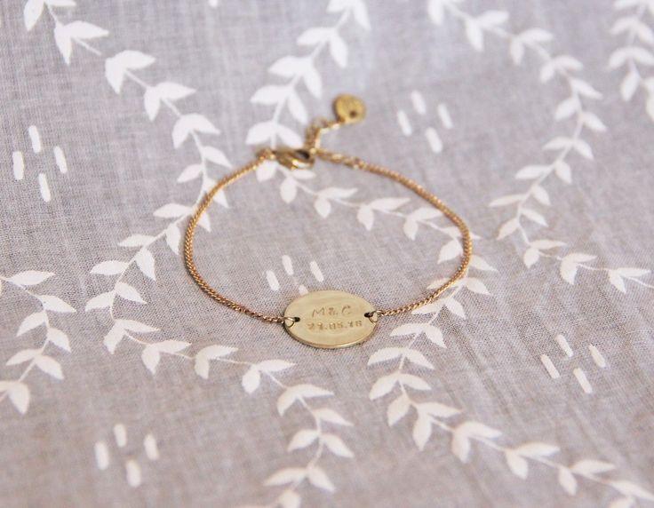Réservé pour Tiphaine - Bracelet médaille ronde gravée & chaîne en laiton brut (doré), gourmette by Myo Jewel