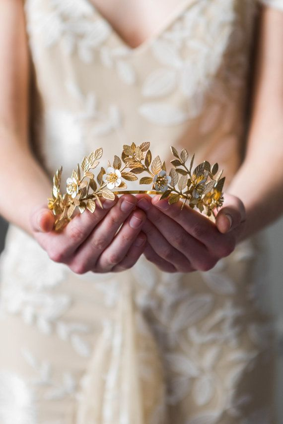 Laurel Leaf Flower Crown, Gold Leaf Tiara, Gold flower tiara, Leaf crown, Flower crown, bridal tiara, wedding tiara, boho crown, halo #110