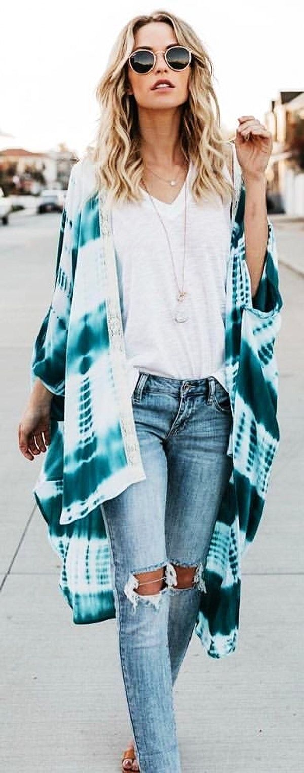 #spring #outfits  woman wearing white shirt and teal cardigan. Pic by @vicidolls
