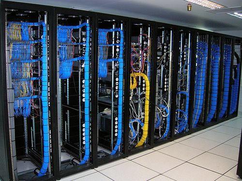 REDES DE DATOS ALAMBRICAS  E   INALAMBRICAS  - Diseño e implementación de redes de datos. - Mantenimiento y traslado de redes. - Instalaciones de cableado estructurado, puntos de red.  - Suministro y configuración dispositivos de red. - Certificación de puntos de red. - Peinado de racks. - Diseño e implementación de proyectos de fibra Óptica.  #OPtelcomEquiposYTelecomunicaciones