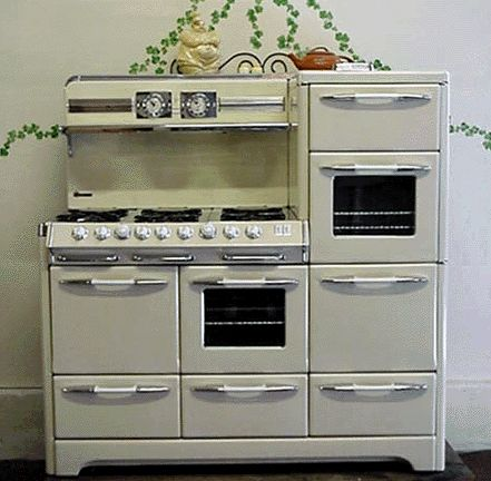 restored vintage stoves | Before restoration process is started on this O'Keefe& Merritt Antique ...