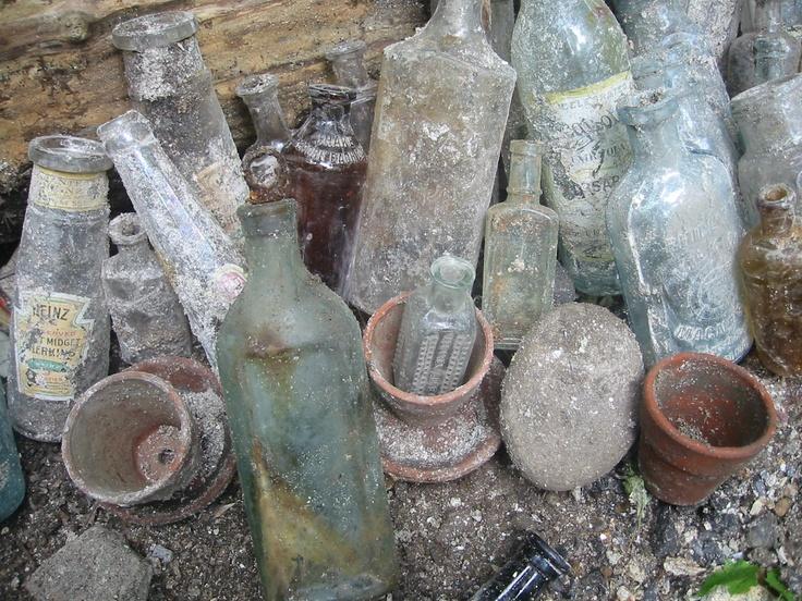 Digging Old Bottles 64