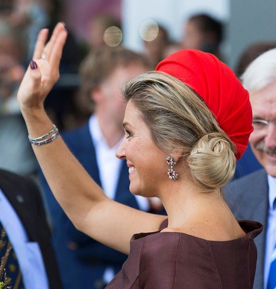 Queen Maxima's hair details as she attends the opening of the new Markthal on 01.10.2014 in Rotterdam, Netherlands.