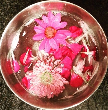 Floral Kiss Soak! Great for cleansing, detoxifying and pampering your hands. #spa #manicure #DIYspa