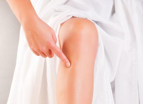 """Une légende japonaise raconte qu'il existe un point de massage, le """"point Zu San Li"""" (du nom de son créateur), permettant de lutter contre de nombreux maux et de rallonger la durée de la vie. Découvrez comment trouver ce point et améliorer votre santé !"""