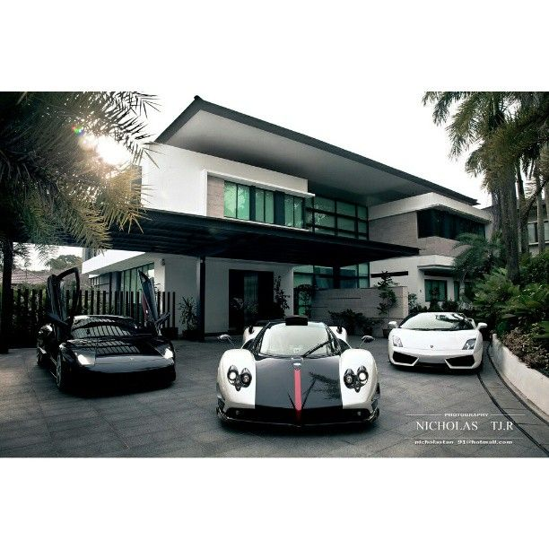 Luxury House And Car stunning 3 super cars and a stunning house! i will take the pagani