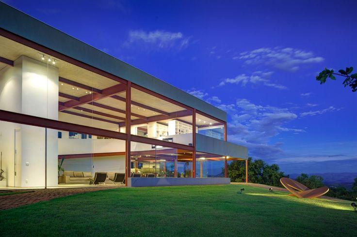 Nova Lima House / Denise Macedo Arquitetos Associados