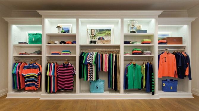 We take you through the RLX golf collection by Ralph Lauren for Spring/Summer…