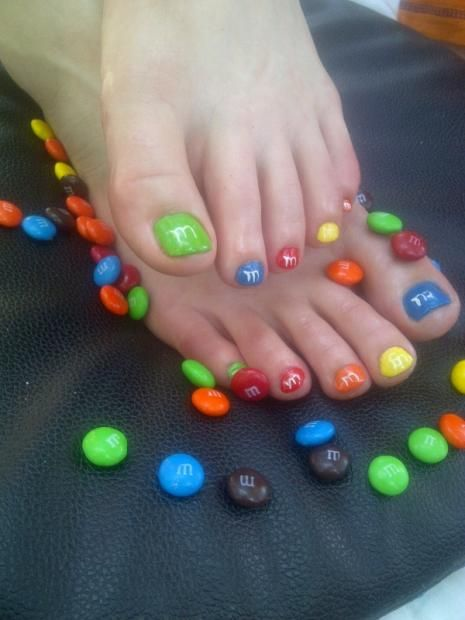 M PEDICURE NAIL ..we need to paint our nails like this maam!