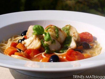 » Minestronesuppe med torsk og basilikumpesto