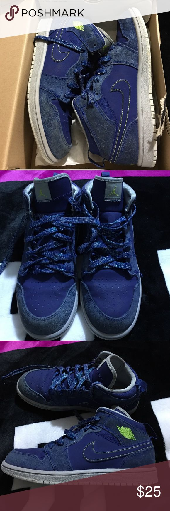 "Jordan Mid 1 Has some wear but lots of life left ""PLEASE DON'T ASK WHATS MY LOWEST OR WOULD I TAKE $ANYLESS$ USE THE OFFER BUTTON  NO DISCUSSING PRICING OVER COMMENTS"" ️ #NO HOLDS #BUNDLE SAVE ON SHIPPING  #NO LOW BALLS  #IF ITS LISTED ITS AVAILABLE  #NO RUDE COMMENTS=BLOCK   Items comes from a smoking home meaning possibly may smell like smoke but items are stored away, NO PETS  I ship same day or next business day any questions don't hesitate to ask  Thanks for looking Jordan Shoes…"