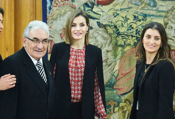 La Reina Letizia se reunió con una representación de la Fundación Secretariado Gitano. 01.08.2016
