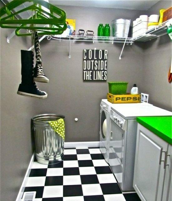 kleine moderne Waschküche