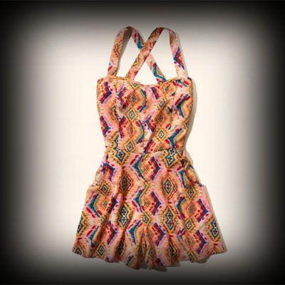 ホリスター レディース ドレス Hollister Bay Park Romper ロンパース ★アメリカの西海岸のサーフスタイルをベースにしながらも、日本でも幅広い年齢層の方から支持されているブランドホリスター。今季の新作アイテムです! ★個性的な柄がかわいいロンパース。