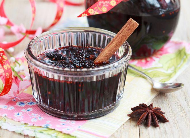 Лучшие кулинарные рецепты: Варенье из шелковицы: рецепт пряного десерта на зиму