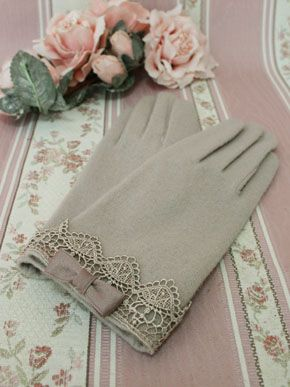 Victorian Maiden Petit Ribbon Lace Gloves