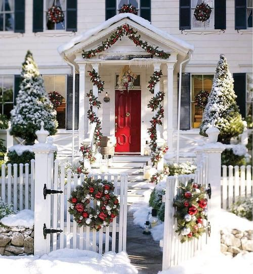 Dream Home    Love This Look. White Picket Fence, Gated Yard And Red Door.  In Love! A Whole Bunch Of Christmas Porch Decorating Ideas Nice Design