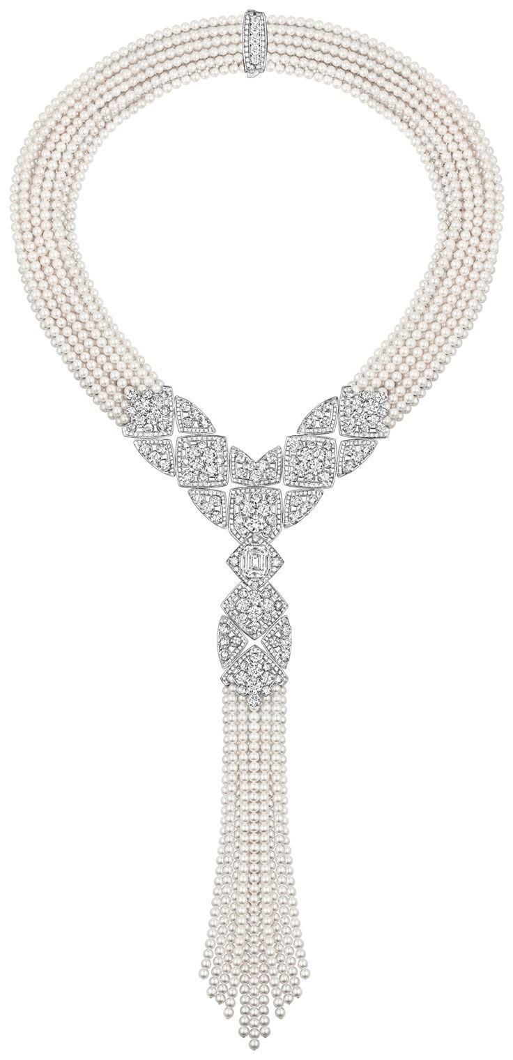 """""""Signature de perles"""" - Chanel - 717 diamants, janvier 2016  Plus de découvertes sur Le Blog des Tendances.fr #tendance #mode #blogueur"""