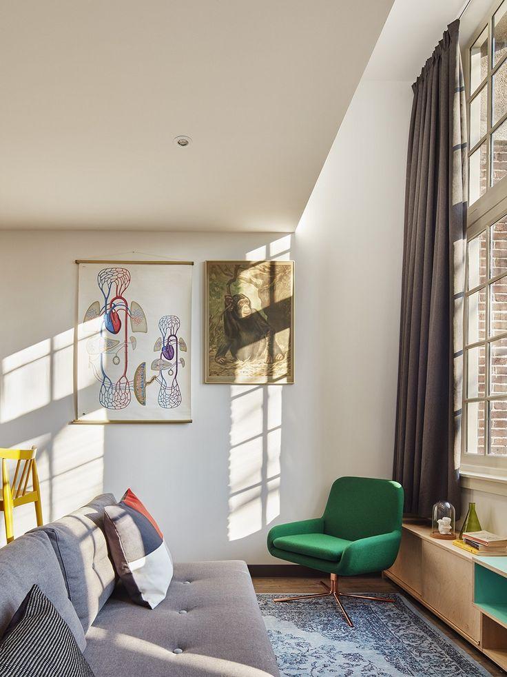 Recast Plus Special zitbank | slaapbank van Innovation Living bij het Generator Hostel Amsterdam