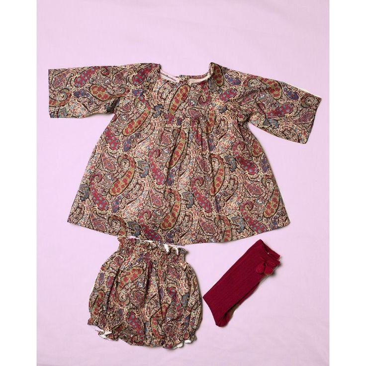 Conjunto Liberty London - Vestido, Cullotes y Calcetines