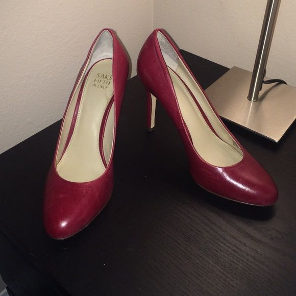 SALESaks fifth avenue leather burgundy shoes RED Leather w leather sole Valentino Shoes Heels