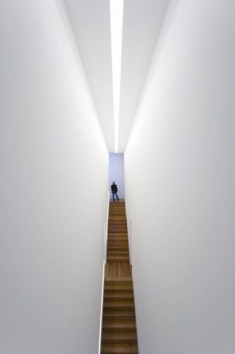 Flashback: Arts Centre – Casa Das Mudas / Paulo David | ArchDaily
