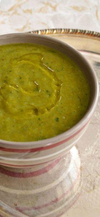 Soupe de chou kale à l'ail des ours