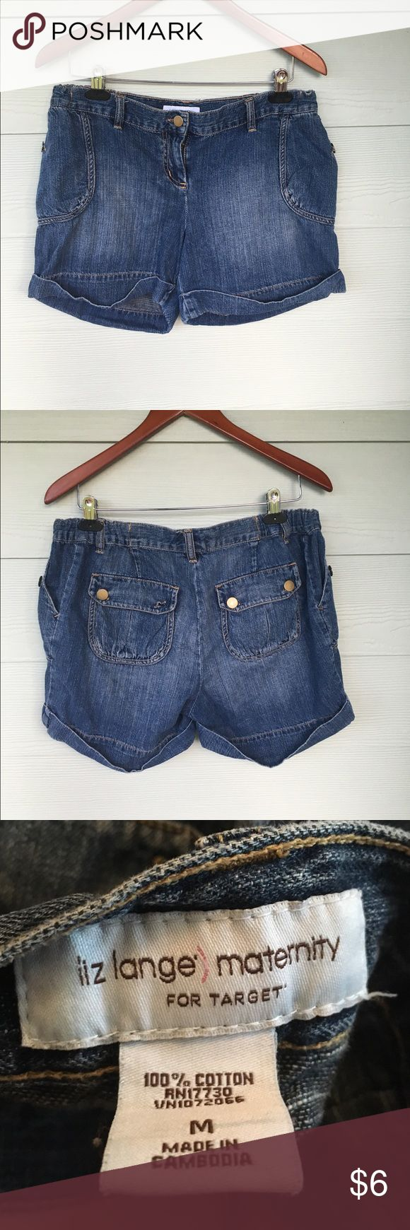 Maternity shorts Liz Lange for target maternity Jean shorts size medium. 100% cotton and in good condition Liz Lange for Target Shorts Jean Shorts
