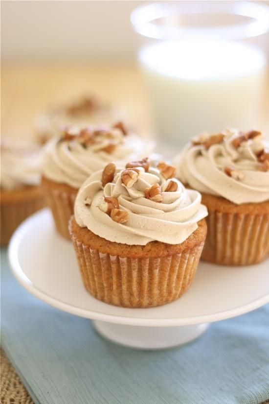 sweet potato cupcakes with brown sugar marshmallow icing