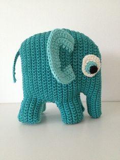Lækker hæklet elefant DIY // Anleitung für Häkelelefant (wie Sebra) auf dänisch (http://pif-paf-puf.blogspot.dk/2010/10/en-elefant-kom-marcherende.html)