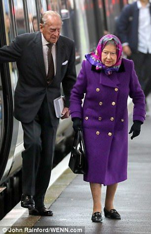 In previous years, the Queen has passed the time on the 1 hour 37 minute journey by browsi...