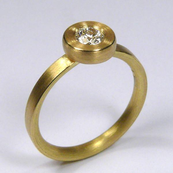 Ring, Gold 750/-, Brillant 0,27 Carat, tw,vs