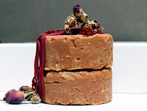 This natural hand milled facial soap recipe is perfectly suited for dry and maturing skin and contains nourishing ingredients like rosehip seed oil and sea buckthorn oil. As it's made using the rebatch or handmilling soapmaking method there's no lye to work with. These make great homemade Valentine's day gifts too!