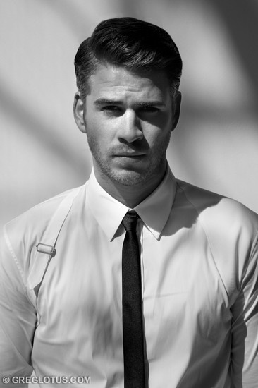 Liam Hemsworth. Damn, his parents did well putting these good looking men on the planet. I salute you! lol