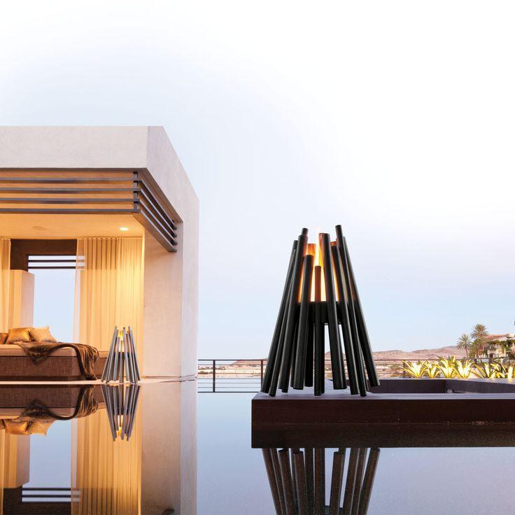 feuerstelle aus geb rstetem edelstahl oder schwarzem pulverbeschichtetem stahl f r drinnen und. Black Bedroom Furniture Sets. Home Design Ideas