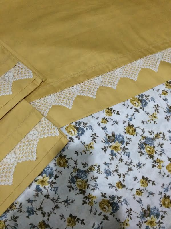 white with gold floral print and solid gold with white scalloped lace trim for accent....beautiful combination...