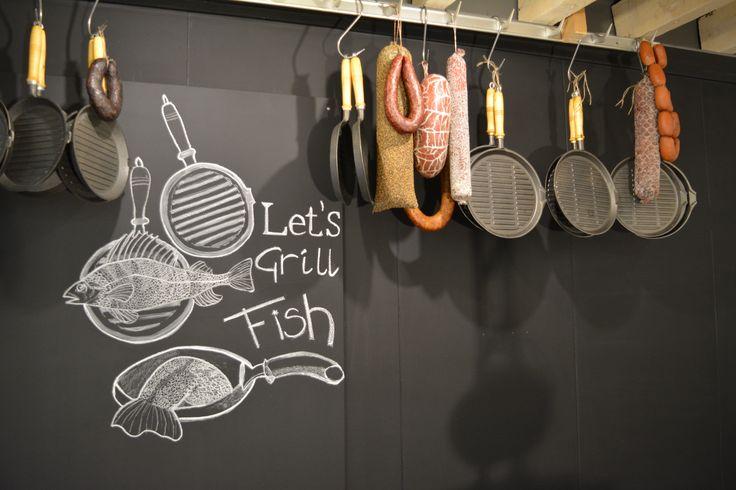 Chalkboard painting in our brand-new shop | Orca Cool  #chalkboard #krijt #Industrial