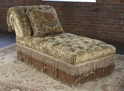Chaise, Traditional Furniture. Tufted.